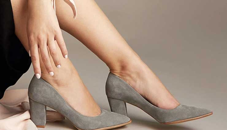 color of shoes,trending color of shoes,women fashion tips,latest fashion trends