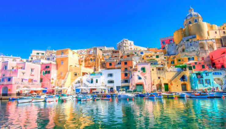 लाखों पर्यटकों को अपनी ख़ूबसूरती का दिवाना बना चुके है ये 5 रंगीन शहर
