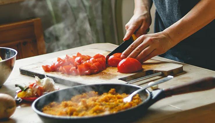 इन 6 राशियों के जातकों को होता हैं खाना पकाने का शौक, हाथ में हैं इनके स्वाद