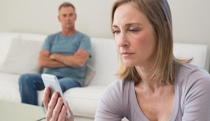 अगर आपके पति करते हैं हर बात पर शक, इस तरह करें स्थिति को हैंडल