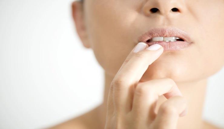 beauty tips,beauty tips in hindi,lips care tips,cracked lips corner,home remedies ,ब्यूटी टिप्स, ब्यूटी टिप्स हिंदी में, होंठों की देखभाल, घरेलू उपाय, होंठ के फटते किनारे