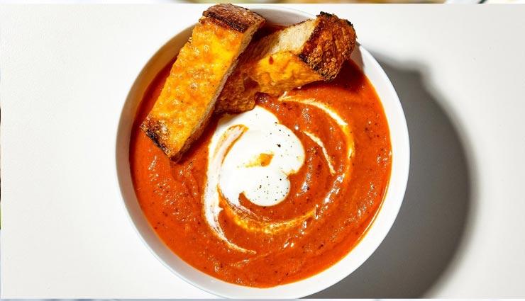 बरसात के मौसम में ट्राई करें 'क्रीमी टोमैटो सूप', स्वाद और सेहत का खजाना #Recipe