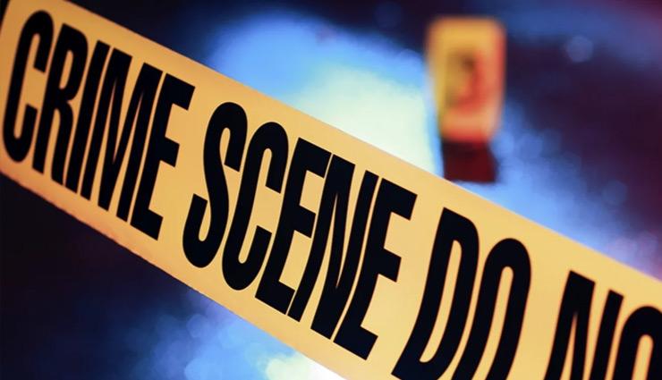 लापता पत्नी को ढूंढता हुआ दोस्त के घर पहुंचा पति, बंद फ्लैट में मिले दोनों के शव