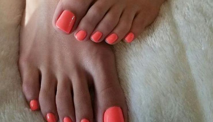 5 Easy Remedies To Clean Your Dark Feet