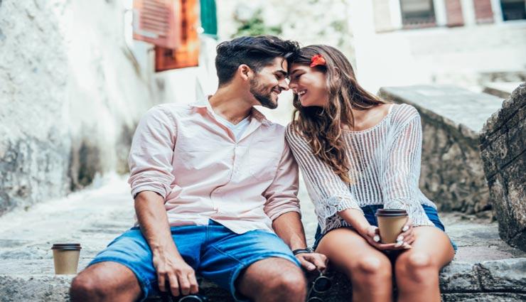 बरसात में बना रहे हैं गर्लफ्रेंड को डेट पर ले जाने का प्लान, आजमाए ये बेहतरीन आइडियाज