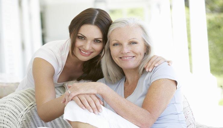 एक मां ही सिखा सकती है अपनी बेटियों को ये जरूरी बातें, उनके जीवन के लिए बहुत अहम