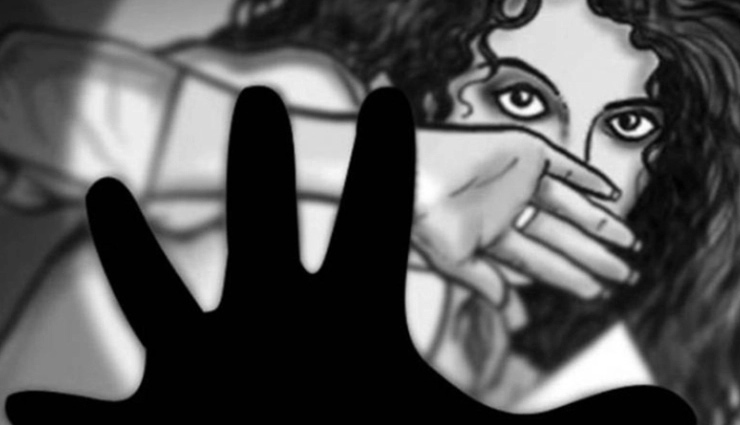 Bar dancer stripped, thrashed for refusing sexual favours to customers in Hyderabad