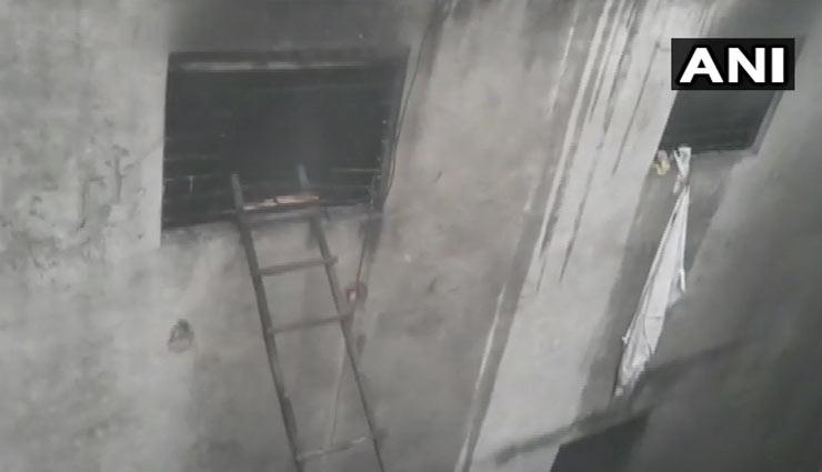 दिल्लीः अनाज मंडी के एक मकान में भीषण आग, 43 लोगों की मौत