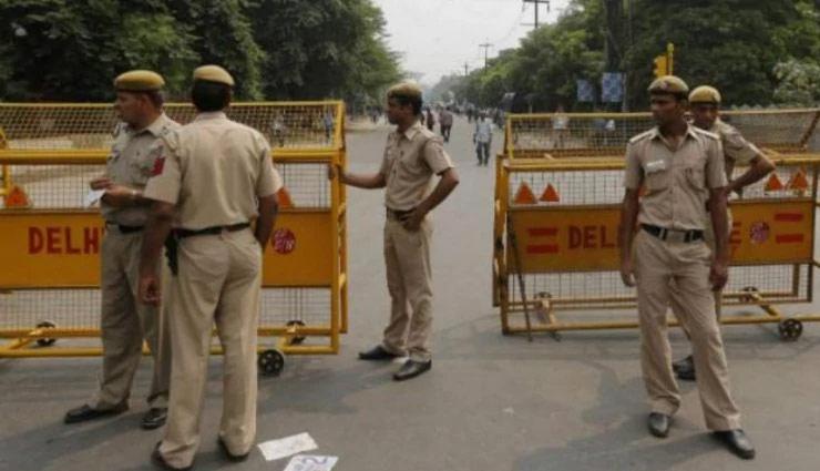 स्वतंत्रता दिवस : दिल्ली में आतंकी हमले की मिली सूचना, लालकिले के आस-पास लगाए गए 800 कैमरे, पतंग और ड्रोन उड़ाने पर लगी रोक