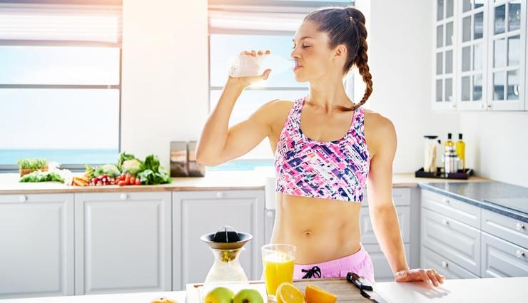 health benefits of drinking lemon juice,drinking lemon juice daily,benefits of drinking lemon juice,lemon juice in morning,healthy living,Health tips