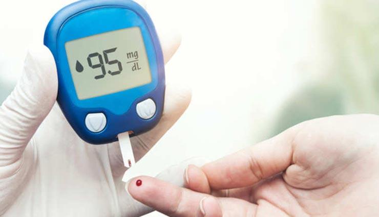 लगातार बढ़ रहा डायबिटीज का खतरा, कंट्रोल करने के लिए आजमाए ये नुस्खें