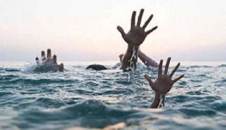 नर्मदा के किनारे सेल्फी लेते समय फिसला पैर, बाड़मेर के दो दोस्तों की डूबने से हुई मौत