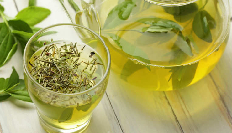 5 Side Effects of Drinking Excess Green Tea