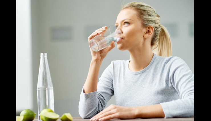 Reason Why You Must Drink Water in Sitting Position