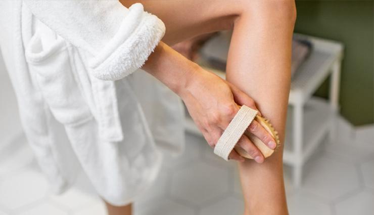 9 Amazing Beauty Benefits of Dry Brushing