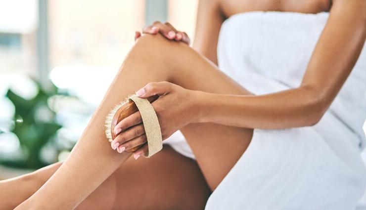 dry brushing,benefit of dry brushing,dry brushing beauty benefits,beauty,beauty tips,simple beauty tips,skin care,skin care tips