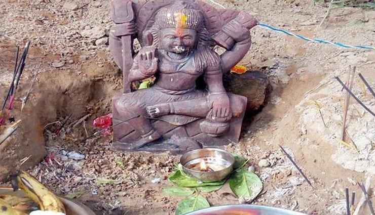 दुर्गा माता का शापित मंदिर जहां ठहरना खतरे से खाली नहीं