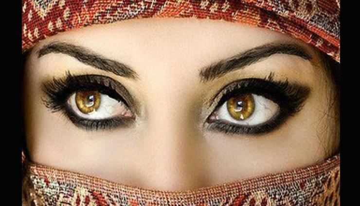 आंखों का आकर्षण बढ़ाएगा मेकअप, जानें किस तरह करे इस्तेमाल
