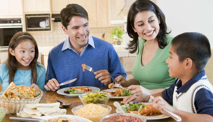 इन आसान तरीकों से खाने को बना सकते हैं रचनात्मक, उल्लास से भर जाएगा मन