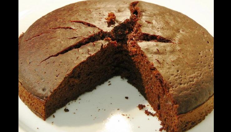 Recipe- Easy To Make Eggless Cake in Pressure Cooker