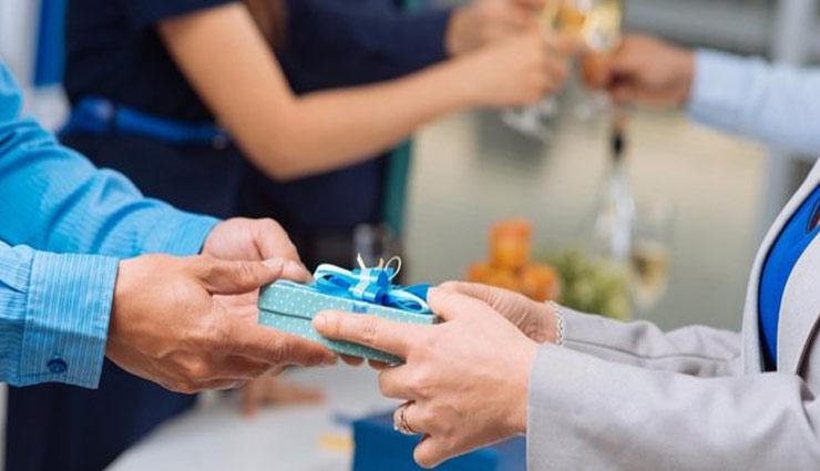 relation tips,diwali special,employee gift idea,gift ideas, ,दिवाली स्पेशल, कर्मचारी, कर्मचारी को तोहफा, दिवाली का तोहफा, गिफ्ट आइडियाज