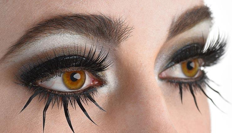 पलकें बनाती हैं आंखों को आकर्षक, इन टिप्स की मदद से बनाए इन्हें घना और लंबा