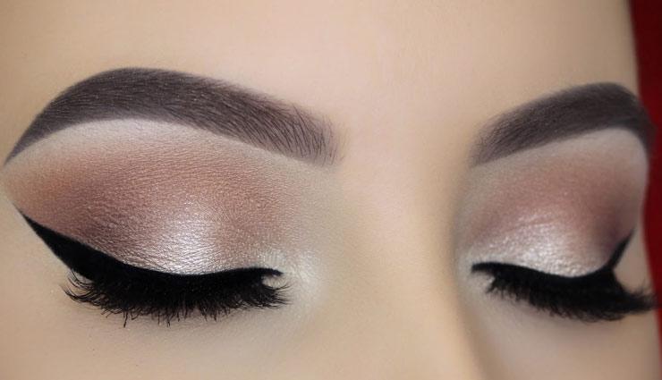 आई मेकअप टिप्स जिनकी मदद से आप मिनटों में बड़ा सकते है अपनी आँखों की खूबसूरती