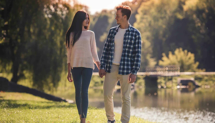 ways to romance with your girl like a pro,romance tips with your girl,tips to do romance,relationship tips,mates and me,romancing with your wife