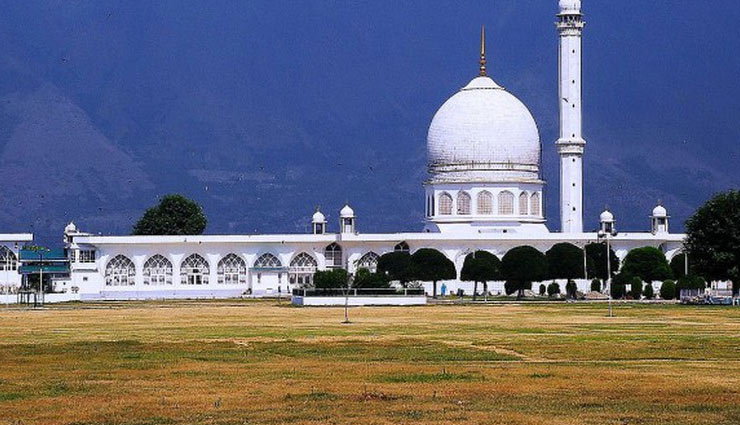 Bakrid 2018- These are The Most Famous Mosques of India