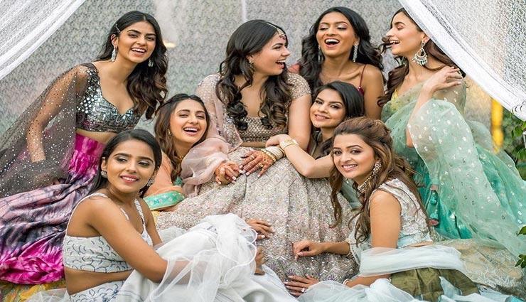अपनी सहेली की शादी में दिखना हैं डिफरेंट, ट्राई करें ड्रेस से जुड़े ये बेहतरीन आइडियाज