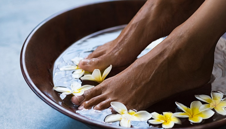 home remedies for foot corns,foot cons treating tips,beauty tips,beauty hacks,
