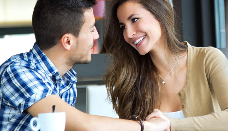 5 Different Types of Flirting and How They Work
