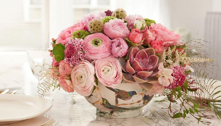 प्यार और रोमांस का माहौल बनाएगा ये फूल, लें डैकोरेशन टिप्स