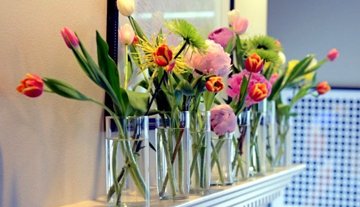 Household tips to make flower last long for decoration at home 74110 घर की सजावट को बढाने का काम करते है फूल, जानें इन्हें तरोताजा बनाए रखने के तरीकों के बारे में -