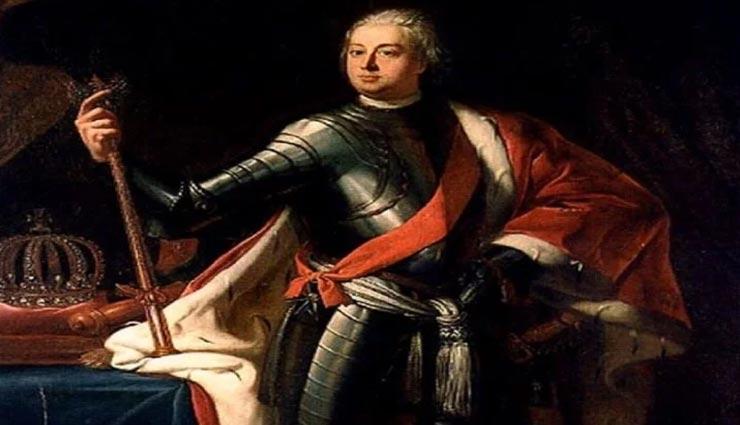 सैनिकों को अपनी लंबाई के हिसाब से सैलेरी देता था यह सनकी राजा