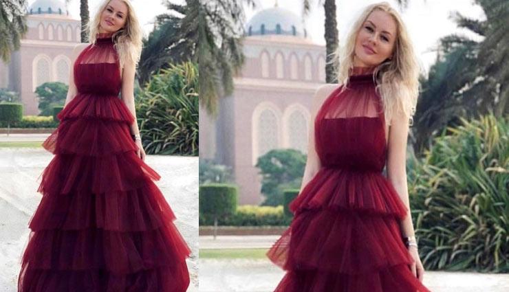 comfort and funky look  with frill dress,frill dresses,fashion tips,frill fashion,fashion trends frill fashion ,फ्रिल ड्रेस, फ्रिल फ्रॉक, फ्रिल वाले कपड़े, फैशन टिप्स