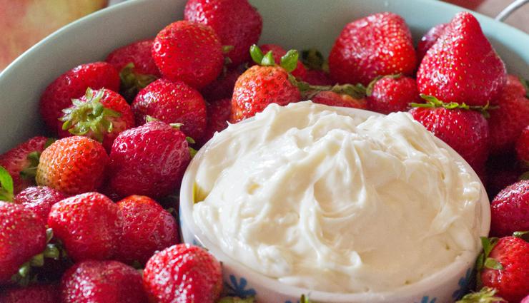 cream cheese fruit dip,fruits recipe,dip recipe,desserts recipe