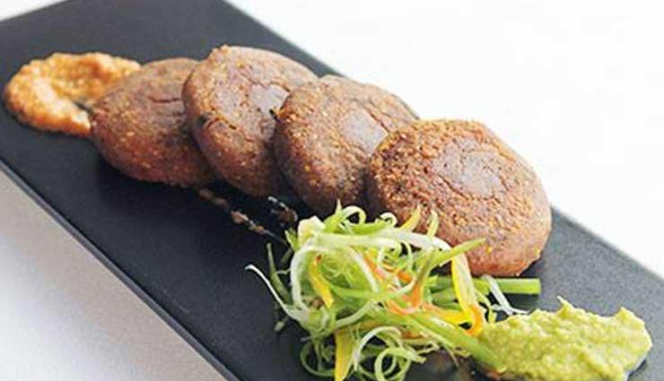 स्वाद में बहुत उम्दा होता है 'गलौटी कबाब', जानें बनाने का आसान तरीका #Recipe