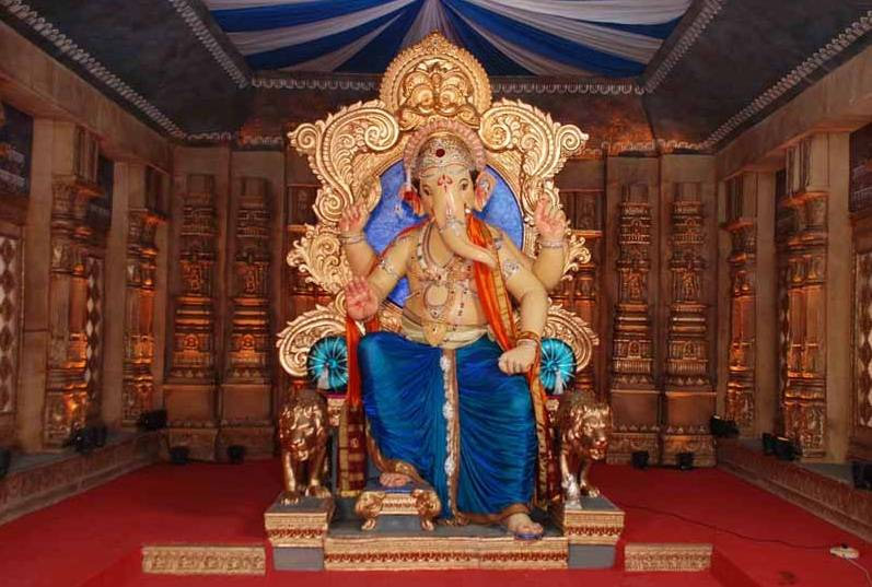 ganesh chaturthi 2019,ganpati pandals in mumbai,best ganpati pandals in mumbai,mumbai,lalbaugcha raja,ganesh galli cha raja,tejukaya cha raja,khetwadi cha raja,andheri cha raja