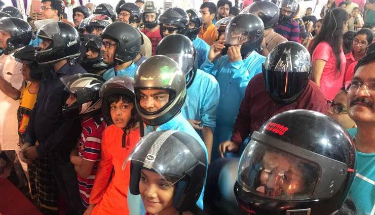 challan,helmet,ganesh idols,idol immersion,gujarat,surat,traffic police,ganesh chaturthi,new motor vehicle act,news,news in hindi ,नया मोटर व्हीकल एक्ट