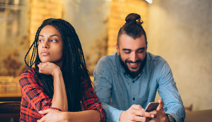 signs that tell you are being used by a man,mates and me,relationship tips