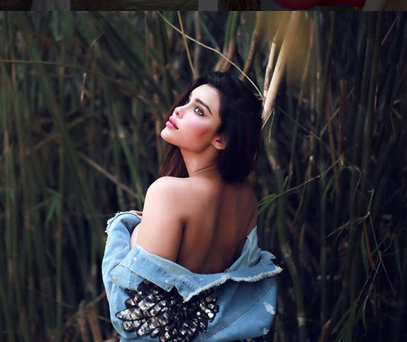 gizele thakral,gizele thakral in wet white saree,gizele thakral hot look,viral photo,hot photos ,गिजेल ठकराल,गिजेल ठकराल कि हॉट तस्वीरे