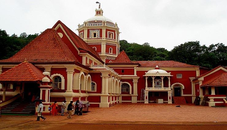 इन मंदिरों के लिए भी जाना जाता हैं गोवा, युवाओं के साथ बुजुर्ग भी ले सकते हैं घूमने का मजा