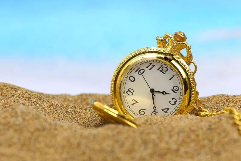 the golden minute,fulfull all desire,weird story ,गोल्डन मिनट