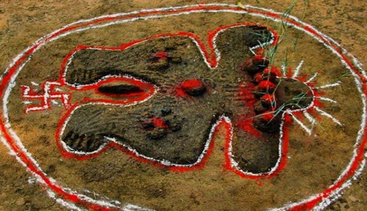 Govardhan 2019: गोबर से गोवर्धन पर्वत बनाकर की जाती है परिक्रमा, होती है मोक्ष की प्राप्ति