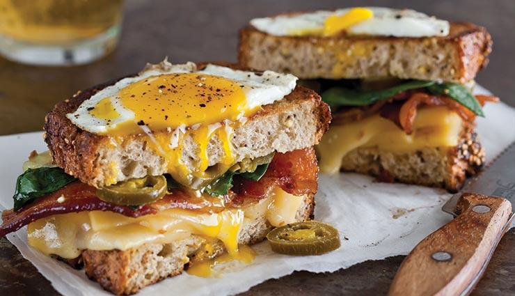 ग्रिल्ड चीज एग सैंडविच के साथ करें दिन की शुरुआत, बन जाएगा सभी का दिन #Recipe