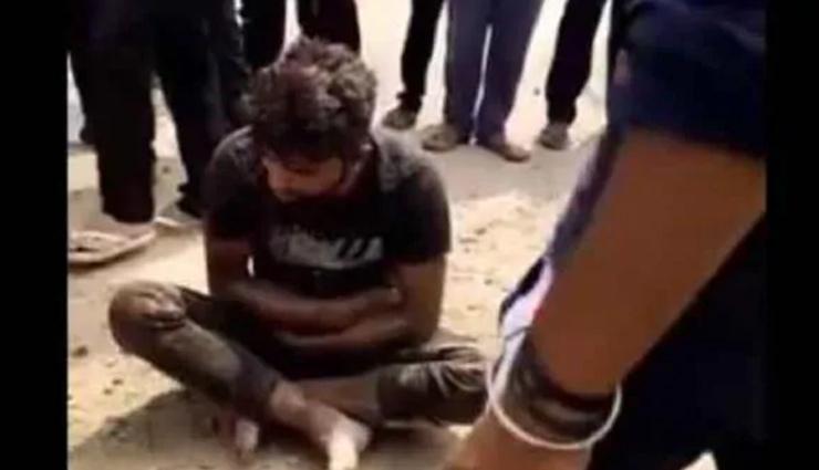 कानून-व्यवस्था पर सवाल, पुलिस के सामने गुंडागर्दी, गोमांस के शक में कुछ लोगों ने युवक को हथौड़े से पीटा