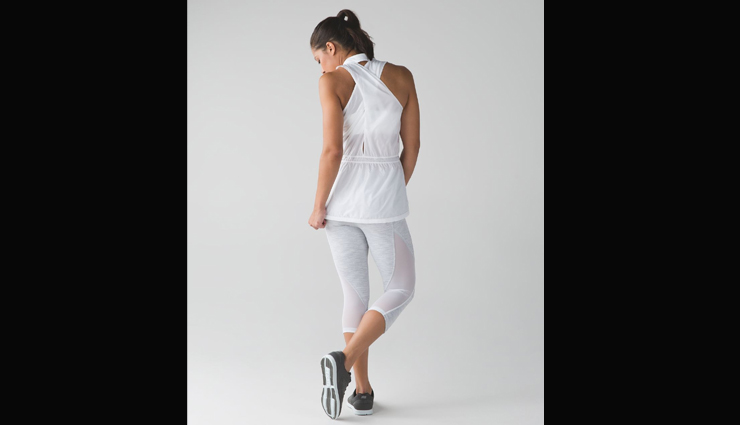 bikinis,short shorts,leggings,barely-there shirts and vests,ratty clothing,denim,sandals or boots,fashion thing not wear in gym,gym fashion tips,fashion tips,latest fashion trends