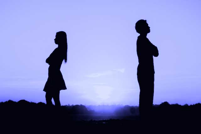 breakup,reasons for breakup,bad habits,habits effect on relationship,relationship tips ,रिलेशनशिप टिप्स, ब्रेकअप, ब्रेकअप का कारण, बुरी आदतें, आदतों की वजह से ब्रेकअप