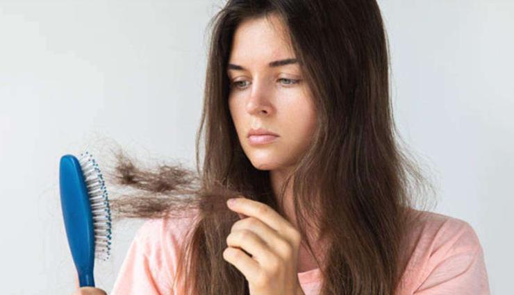 Homemade Shampoo: जरूरत से ज्यादा टूटते है बाल तो ना करें इसे अनदेखा, गंजेपन से बचने के लिए घर पर ही तैयार करे शैंपू
